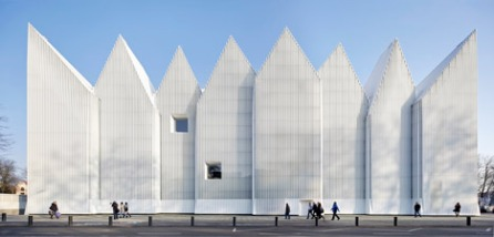 Szczecin-concert-hall-photographed-by-Hufton-Crow-_dezeen_468_0